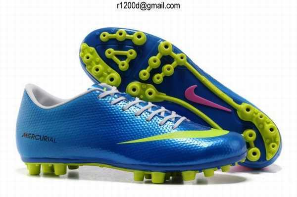 chaussures de foot nike soldes chaussure de foot a crampon visse nike mercurial vapor superfly. Black Bedroom Furniture Sets. Home Design Ideas