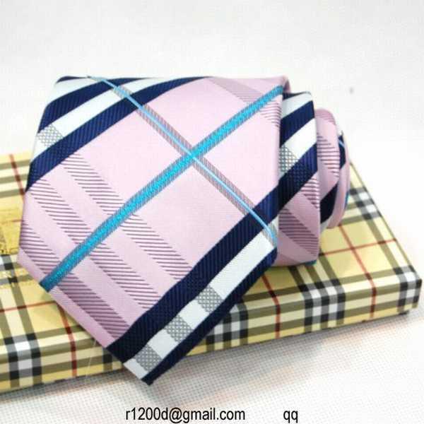 vente cravate burberry costume homme pas cher cravate burberry a prix discount chine. Black Bedroom Furniture Sets. Home Design Ideas