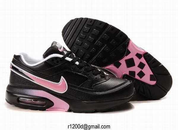air max noir et rose femme dans les annee 90