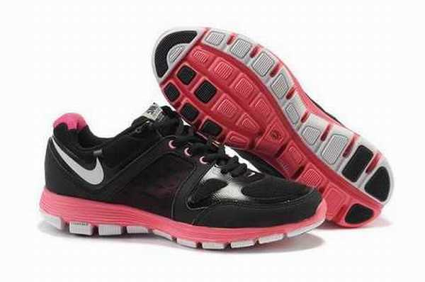 free run rose fluo foot locker nike air max uptempo 1995. Black Bedroom Furniture Sets. Home Design Ideas