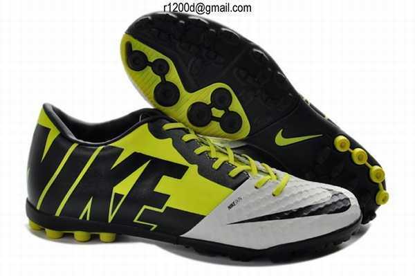 chaussure de foot a meilleur prix chaussure de foot site chinois chaussure de foot pas cher. Black Bedroom Furniture Sets. Home Design Ideas